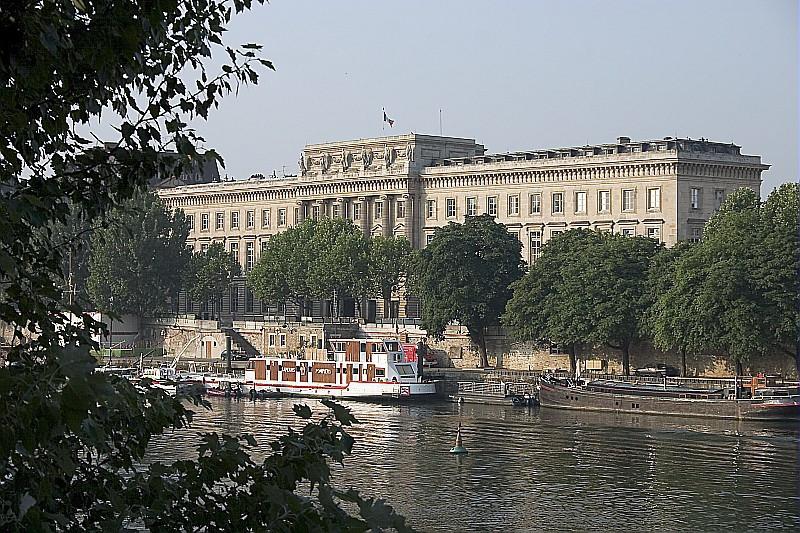 フランス国立造幣局外観