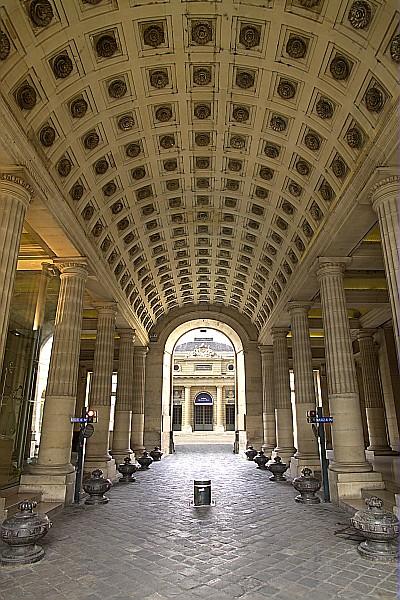 フランス国立造幣局の入口